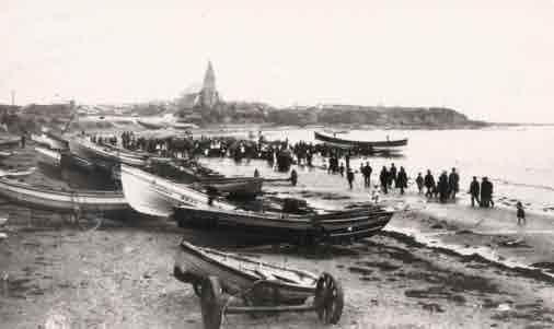 "Picture of Newbiggin-by-the-Sea, Launching the ""Ada Lewis"""