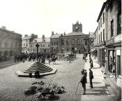 Alnwick, Market Place - Click for bigger image