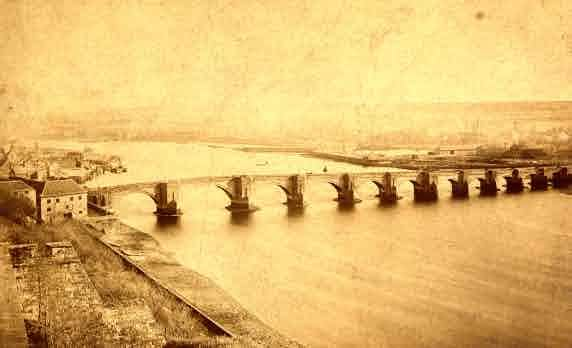Picture of Berwick Harbour and Bridge